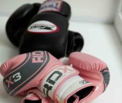 Перчатки для тайского бокса Twins и RDX 10 унций