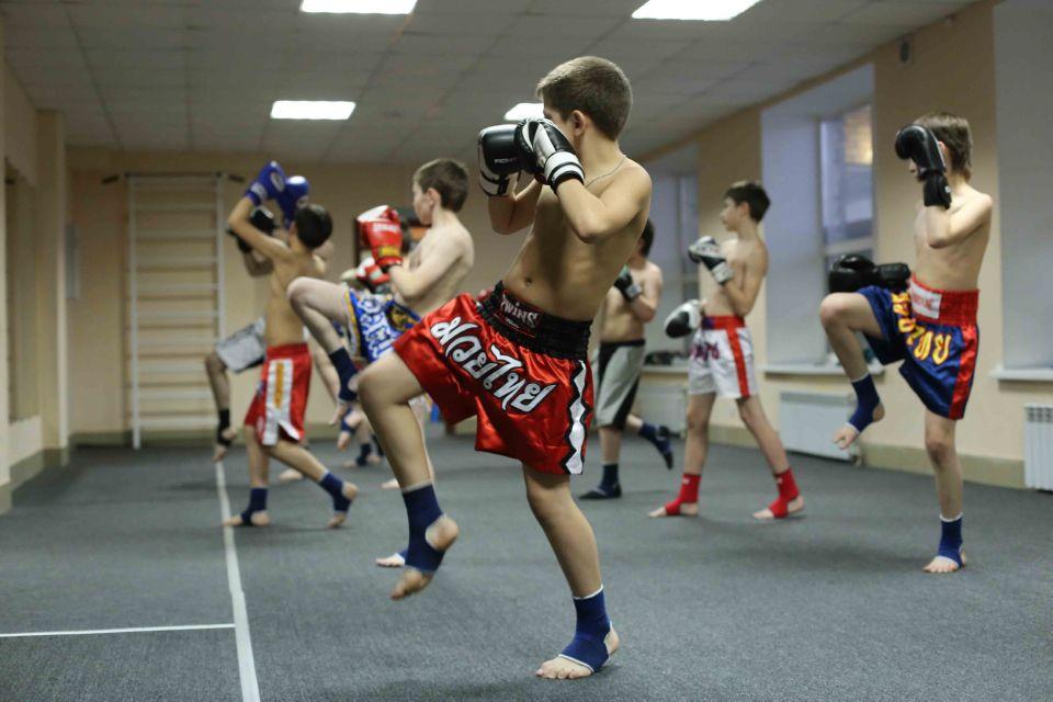 групповые тренировки по тайскому боксу в Омске