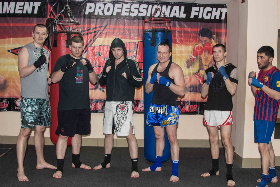 занятия по тайскому боксу с тренером в группе Омск