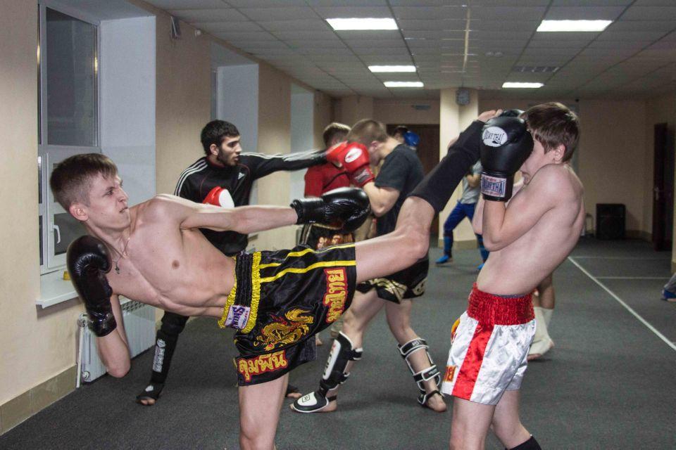 тренировки по тайскому боксу с тренером в группе Омск