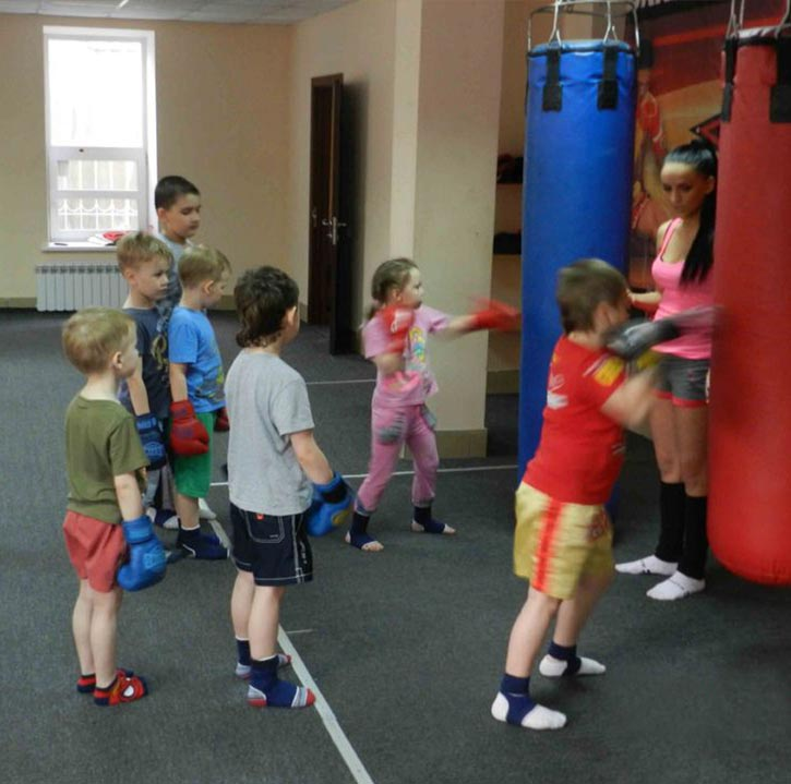 Занятия по муай тай для ребенка в Омске