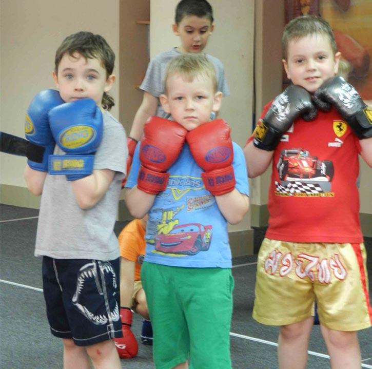 Muay thai для детей, групповые тренировки в Омске