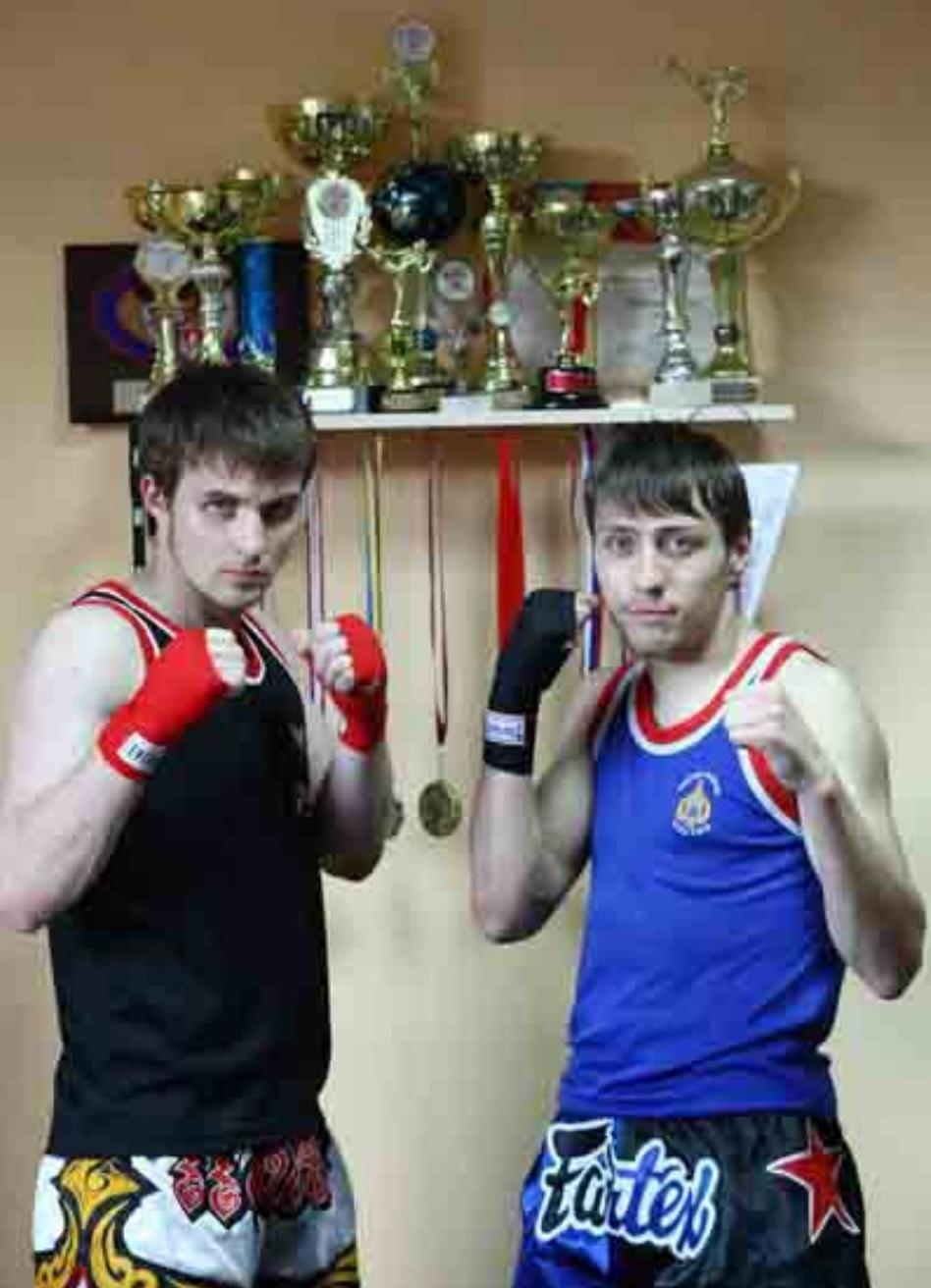 Фото с чемпионом мира по тайскому боксу Русланом Бердыевым
