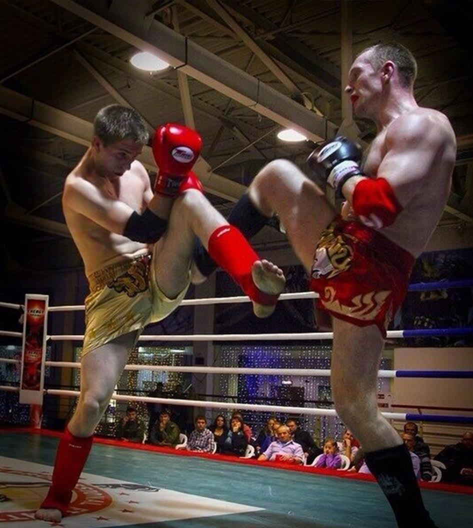 Влад Зухво спортивный клуб тайсокго бокса Red Star бой на турнире Омск