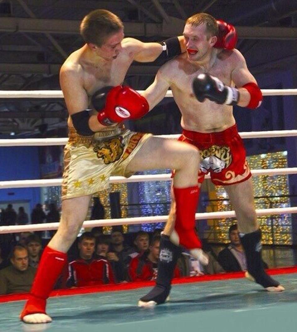 Влад Зухво спортивный клуб тайсокго бокса Red Star бои на турнире Омск